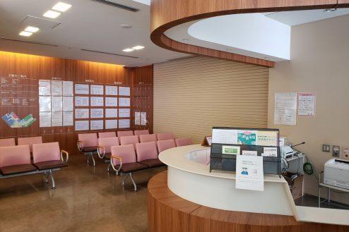 9.墨田区病院|1F待合室(外来総合受付)