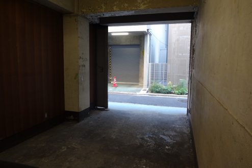 11.神田倉庫|倉庫内から外