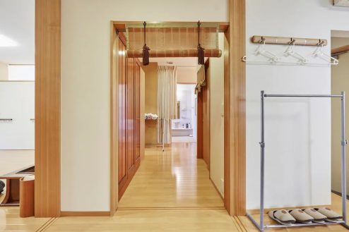 8.牛込柳町戸建て 1F・洋室・廊下