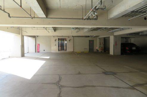 22.東大和オフィス|地下駐車場