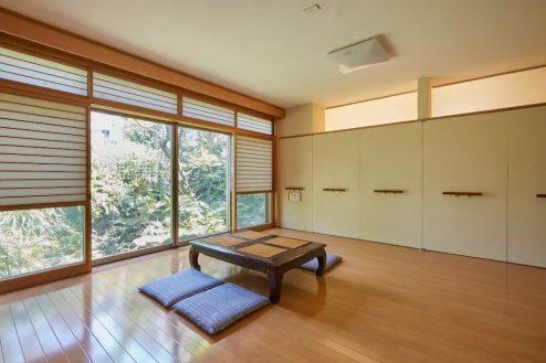2.牛込柳町戸建て 1F・洋室(80㎡)