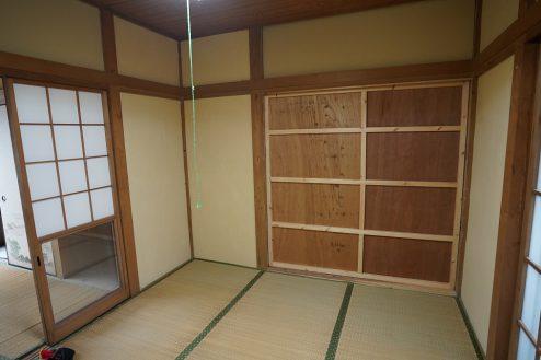 13.昭和レトロアパートスタジオ|壁の取り外し