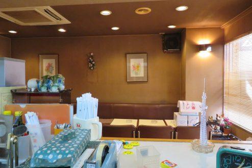 11.新宿5丁目喫茶店|店内・カウンターからの風景