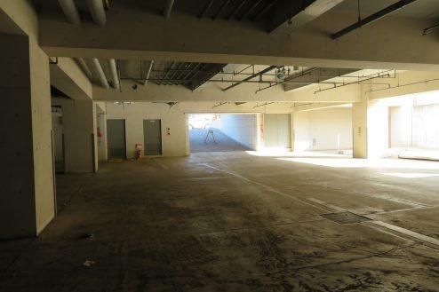 23.東大和オフィス|地下駐車場