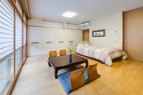 6.牛込柳町戸建て|1F・洋室(80㎡)