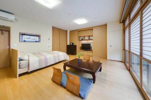 4.牛込柳町戸建て 1F・洋室(80㎡)