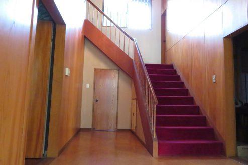 10.新江古田戸建て|玄関前階段