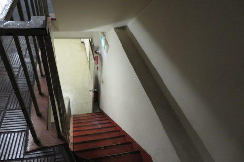 11.小川町雑居ビル|ビル内・階段
