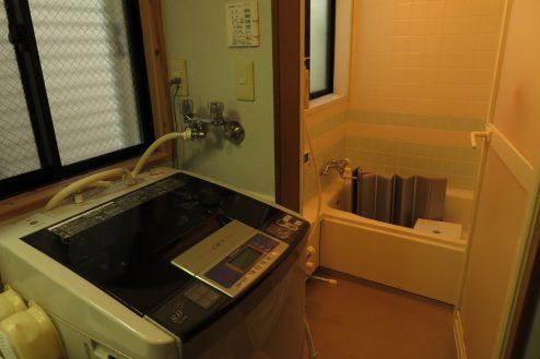 19.久地戸建て|洗濯機・浴室