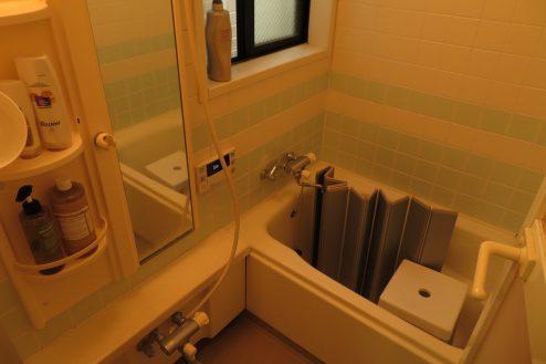 23.久地戸建て 浴室