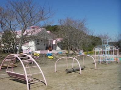 11.ゆうひが丘保育園|園庭・遊具