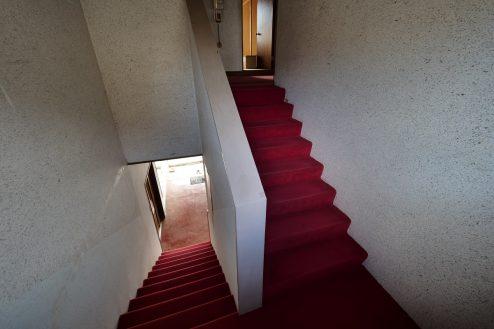 11.大型戸建スタジオ・旧ビジネスホテル|階段