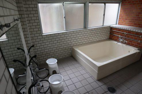 24.大型戸建スタジオ・旧ビジネスホテル|共同浴場