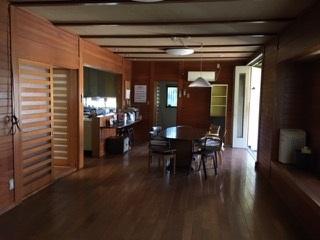 4.庭付き日本家屋|ダイニング・奥はキッチン