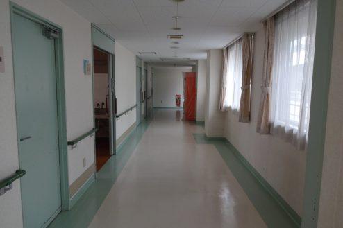 2.白中病院 病室前廊下