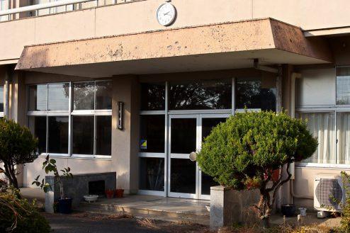 5.学校跡地スタジオ|正面玄関外観