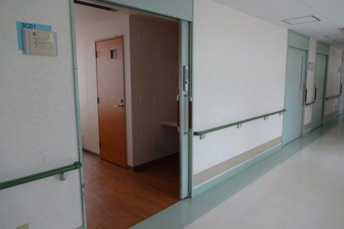 10.白中病院|病室入口