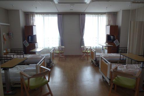 7.鶴見病院|4床病室
