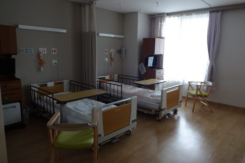 8.鶴見病院|4床病室