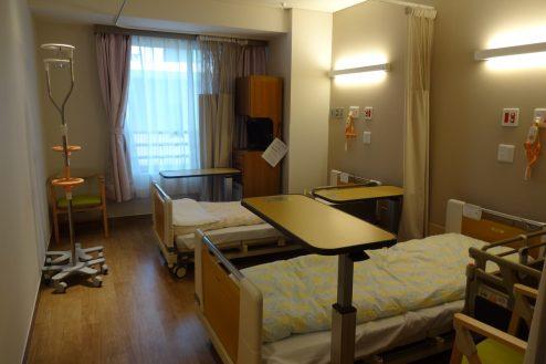 6.鶴見病院 2床病室