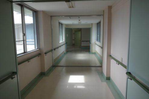 11.白中病院|病室付近廊下