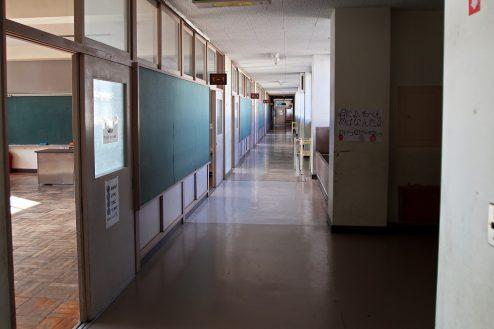 14.学校跡地スタジオ|教室前廊下