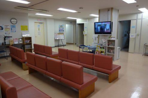 18.白中病院|待合室