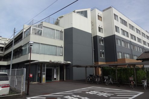 26.白中病院|外観