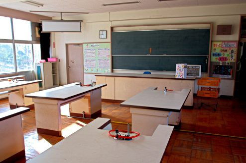 18.学校跡地スタジオ|理科室