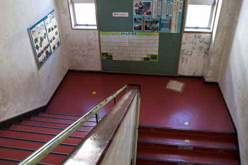 18.学校跡地スタジオ|階段