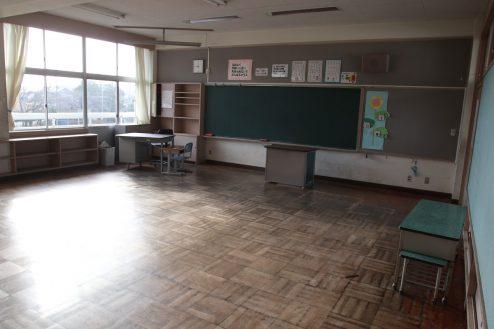 13.学校跡地スタジオ|教室