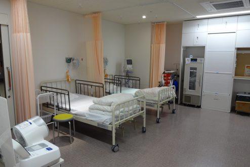 14.鶴見病院 処置室