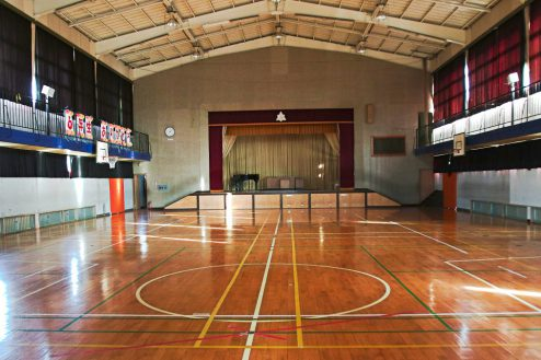 2.学校跡地スタジオ|体育館