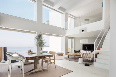 七里ガ浜ハウススタジオ|一軒家・リビング・吹抜け・洋室・キッチン・ガレージ・海