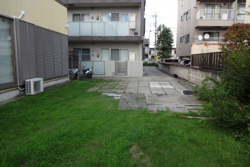 28.川崎市 日本家屋|庭・駐車スペース