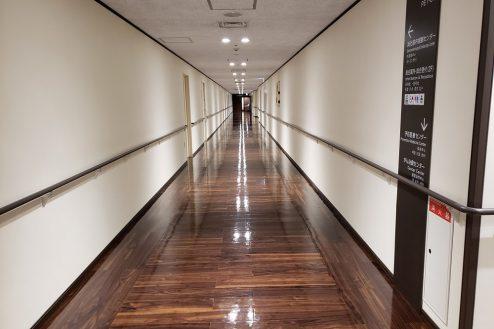 21.いろどりの国病院|廊下