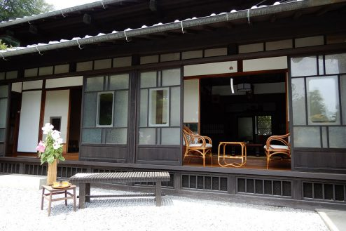 10.洋室・里山スタジオいわふね|母屋・縁側
