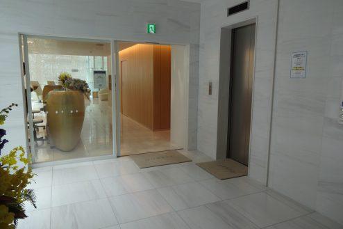 7.クオーツタワークリニック4階|入口・エレベーターホール