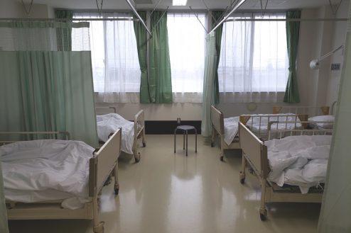 4.病院2棟貸しスタジオ|病室(4床)