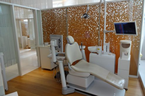 クオーツタワークリニック5階|歯科・待合・治療室・受付・廊下・高級感|東京
