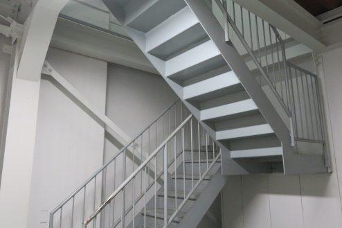 16.森下倉庫|内部・非常階段