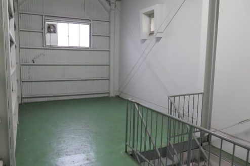 17.森下倉庫|内部・階段踊り場