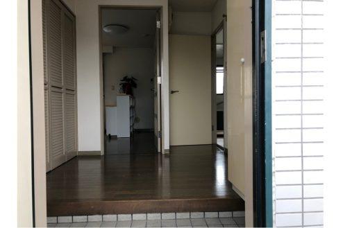 11.府中マンション|603号室・玄関から中