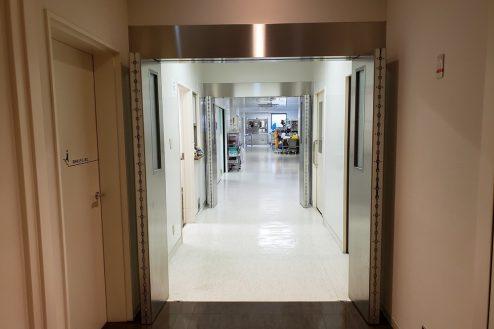 11.草加病院|手術室前通路