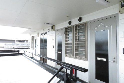 15.小竹向原マンション|共用部・廊下・外側ドア