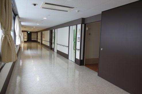 7.かつしか介護老人施設|病室前廊下