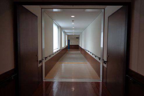 13.横浜リハビリ病院|廊下