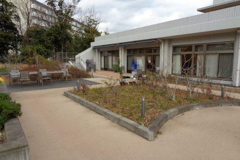 3.横浜リハビリ病院|中庭