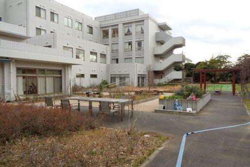 15.横浜リハビリ病院|中庭