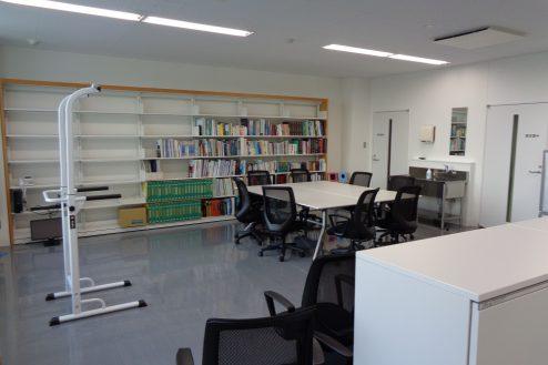 8.前橋クリニック|図書室